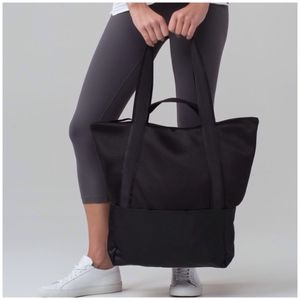 Brand new ✔️ Hot Mesh Tote by Lululemon